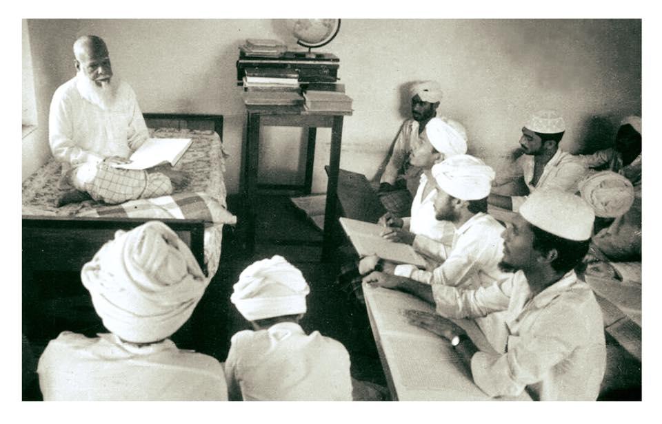 ഒരു വിദ്യാര്ത്ഥി അധ്യാപകനെ ഓര്ക്കുന്നത് ഇതുകൊണ്ടൊക്കെയാണ്