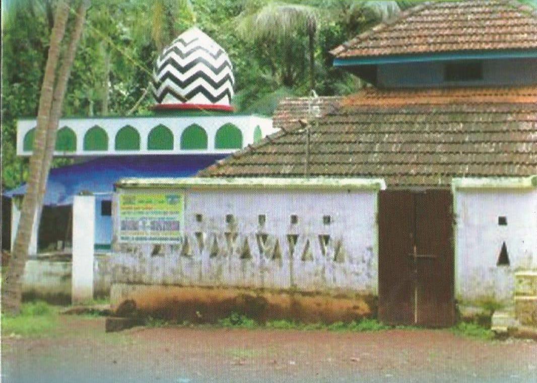 നാല് മദ്ഹബിലും ഫത്വ നല്കാന് കഴിവുണ്ടായിരുന്ന  ശിഹാബുദ്ദീന് അഹ്മദ് കോയശ്ശാലിയാത്തി